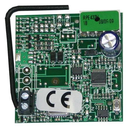 Радиоприемник 1-канальный встраиваемый в разъем RP 433 МГц память на 250 пультов с кодировкой RC (Совместим с брелоками-передатчиками XT4 433 RC арт. 787454)