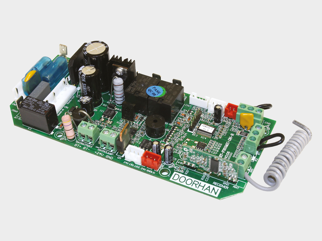 Блок управления приводом Sectional-1200PRO адаптирован для сетей с нестабильным напряжением и защещен от высоковольтный импульсных помех