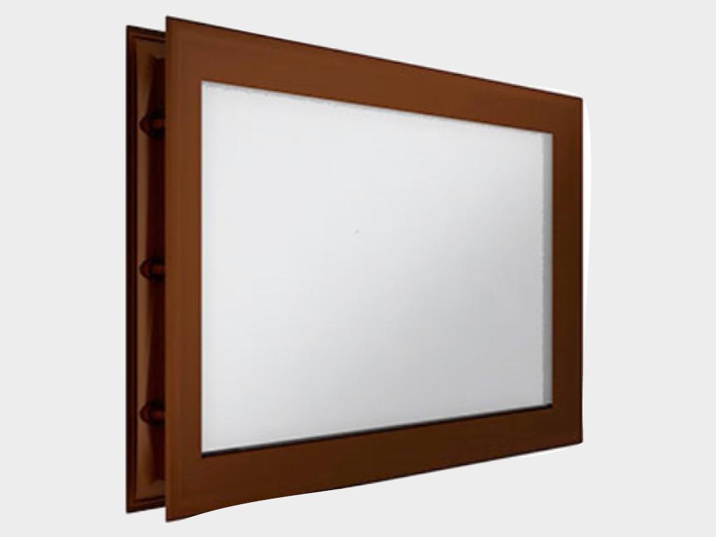 Окно акриловое 452х302, коричневое (арт. DH85631). Специальная конструкция обеспечивает плотное прилегание к полотну ворот, что защищает его от промерзания и теплопотери. Окантовка коричневого цвета.