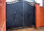 Кованые распашные ворота